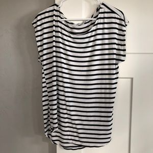 Black and white top, size XL